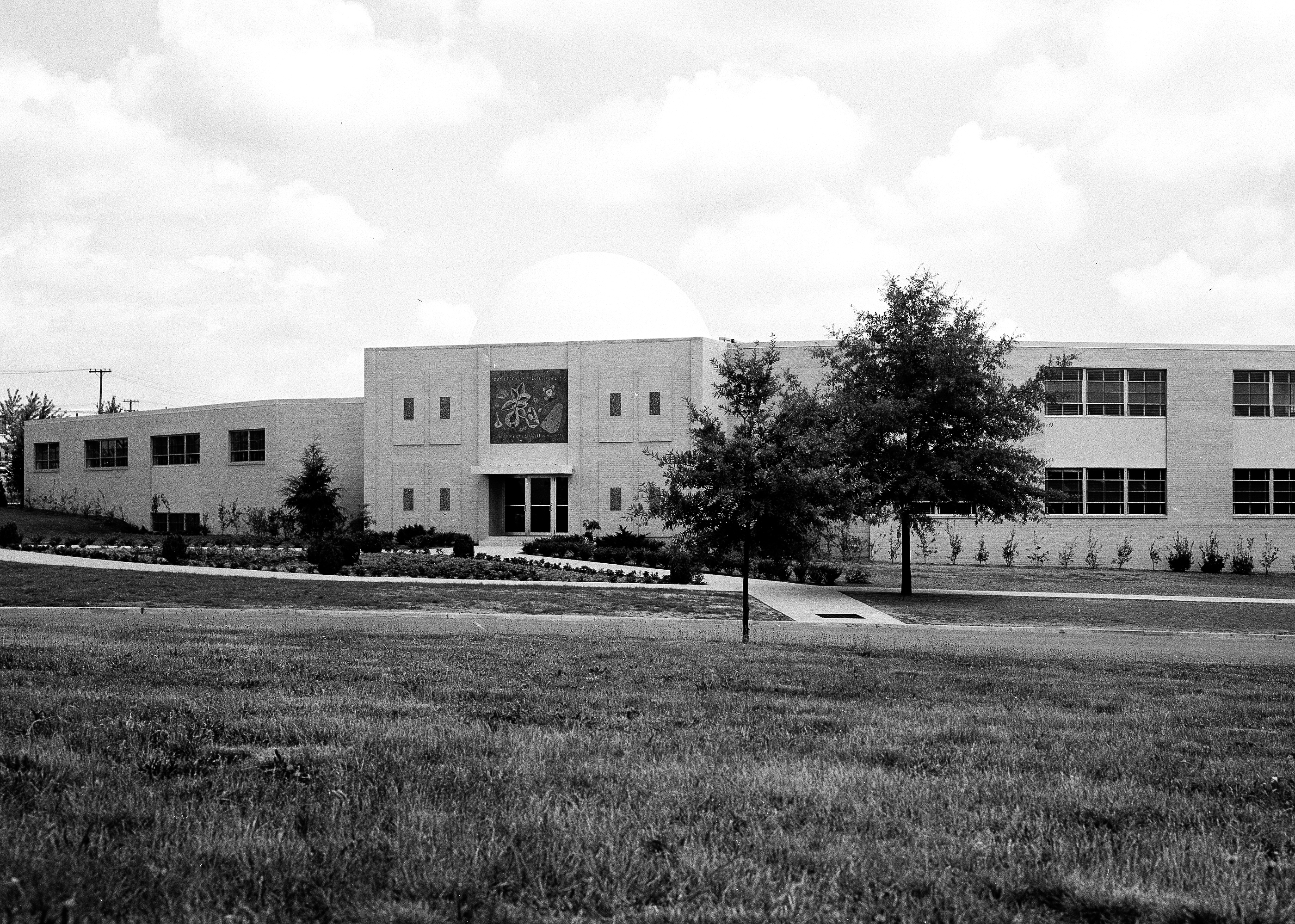 Photo of the exterior of the Howell Memorial Science Building, 1960